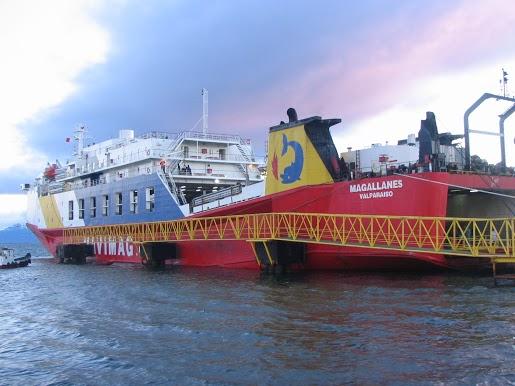 our+ship+through+the+Megallanes