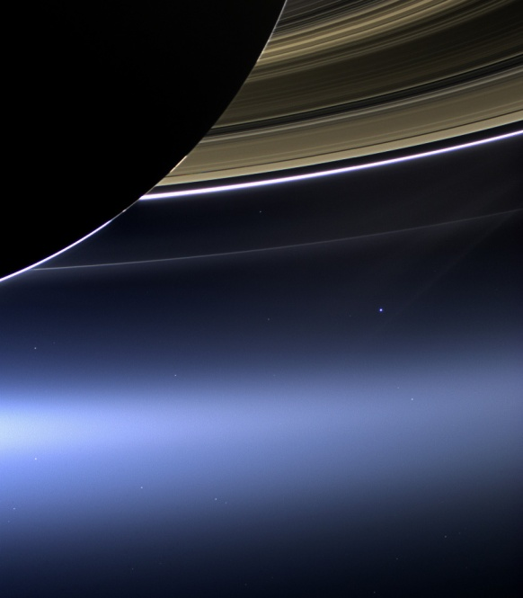 earth-moon-rings-view-cassini